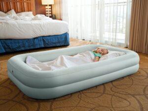 oppustelig seng - rejseseng til børn